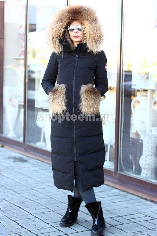 Черная куртка с меховыми карманами